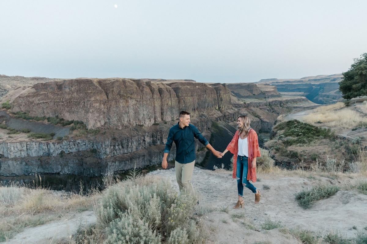 Palouse Falls engagement session by Oxana Brik