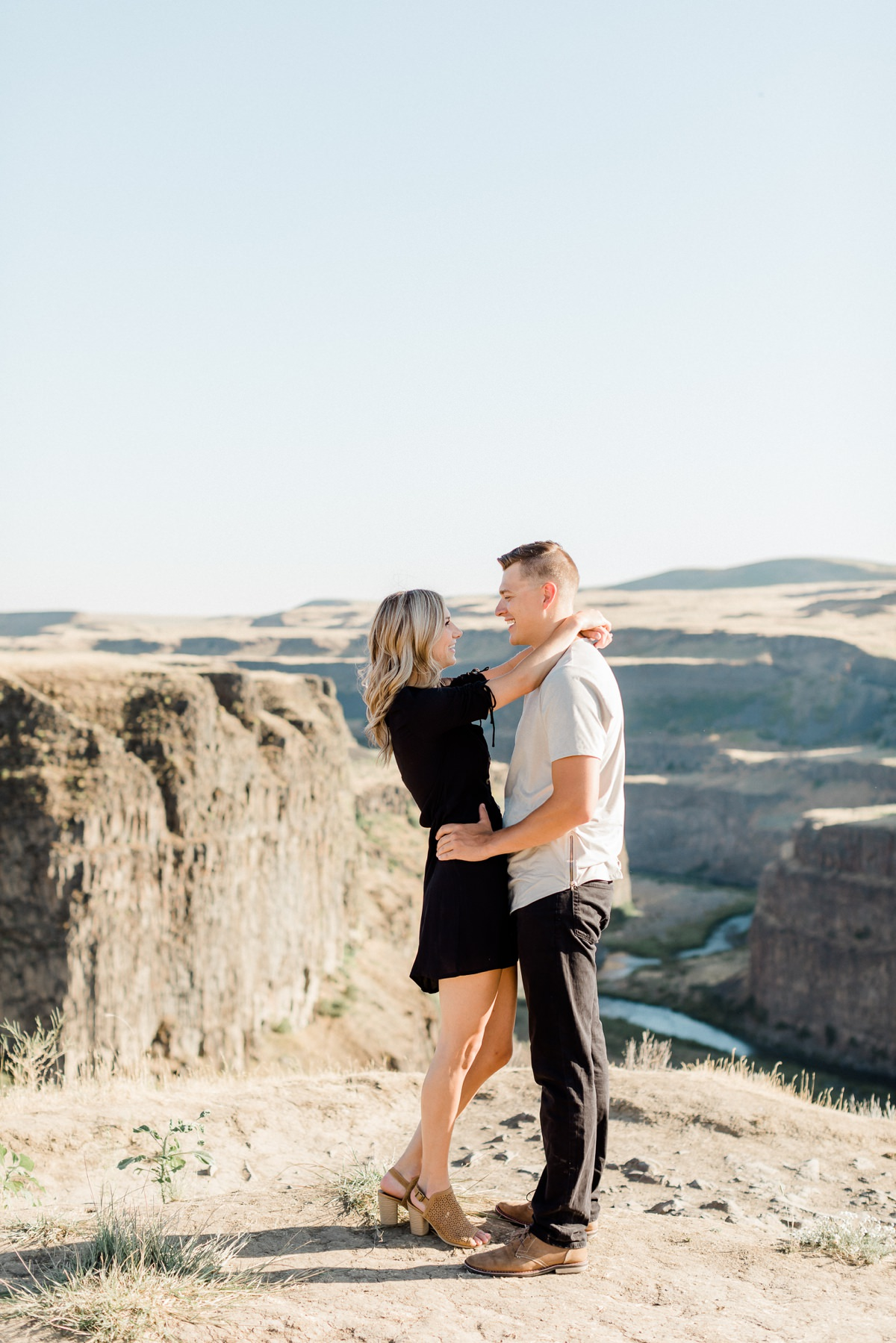 Palouse Falls Engagement Session couples photos
