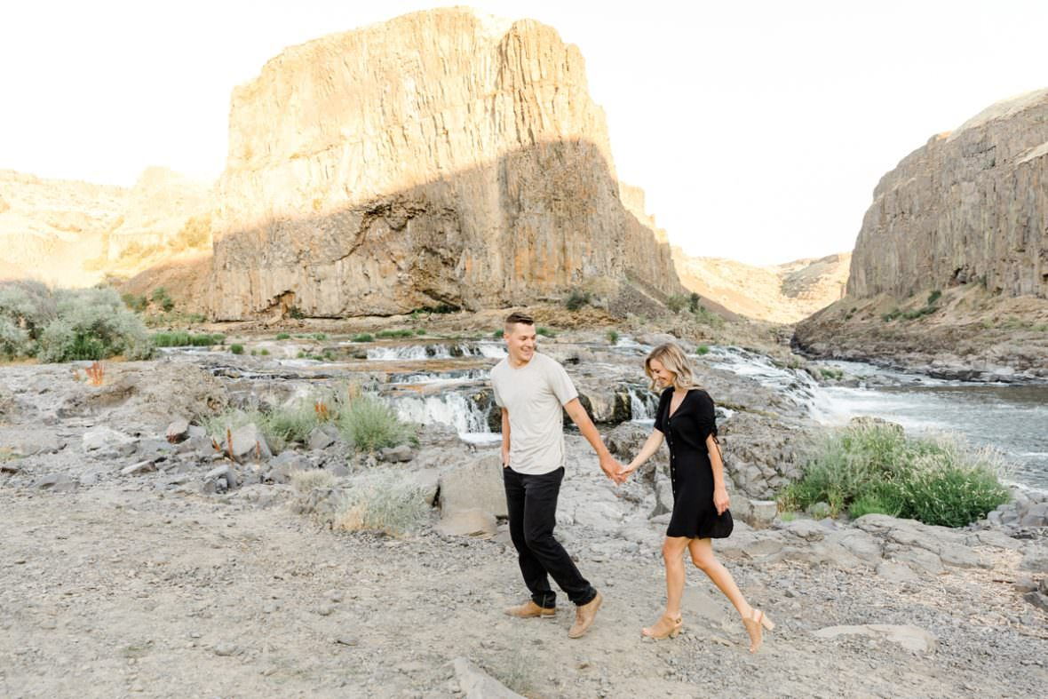 Palouse Falls Engagement Session by Spokane Wedding photographer Oxana Brik
